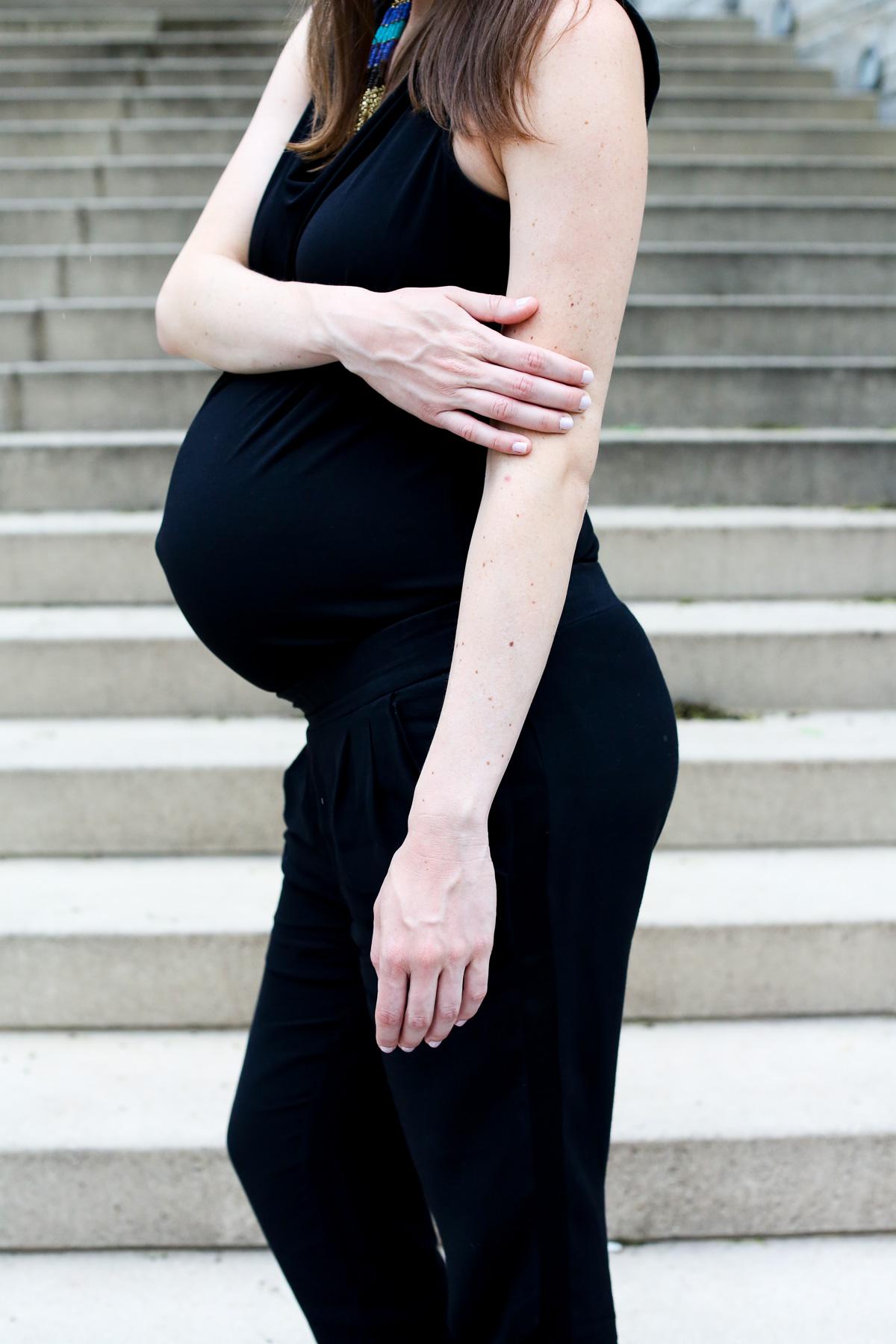 Black jumpsuit_Pregnancy Style-5