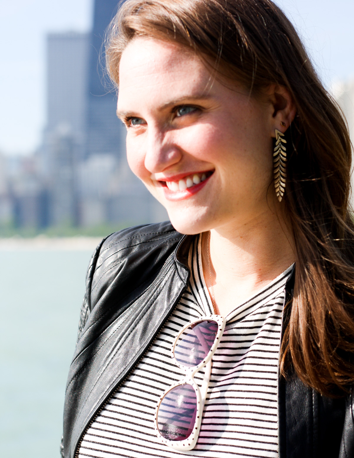 Top Fashion bloggers in Chicago_Top Mommy bloggers in the US_how to style a leather jacket-14