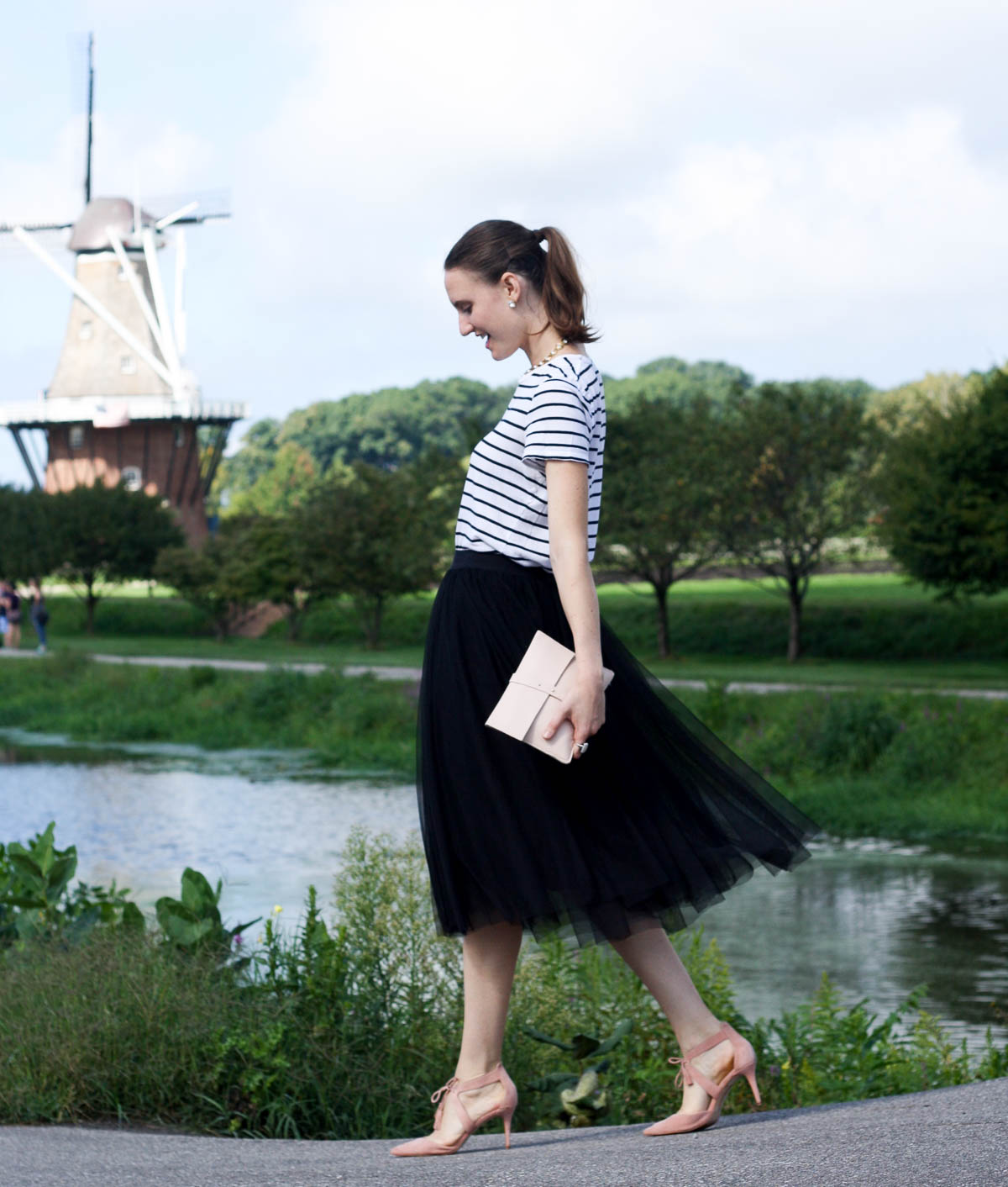 black-tulle-skirt_Carrie Bradshaw Fashion_top-fashion-bloggers-in-chicago_isnt-that-charming-4