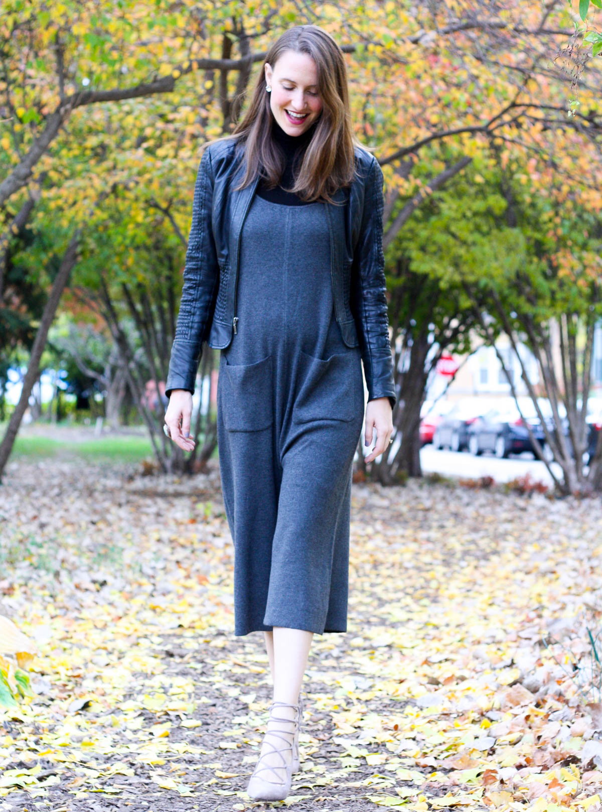 black-turtleneck-and-jumper_fall-fashion_midwest-fashion-blogger_isnt-that-charming-2