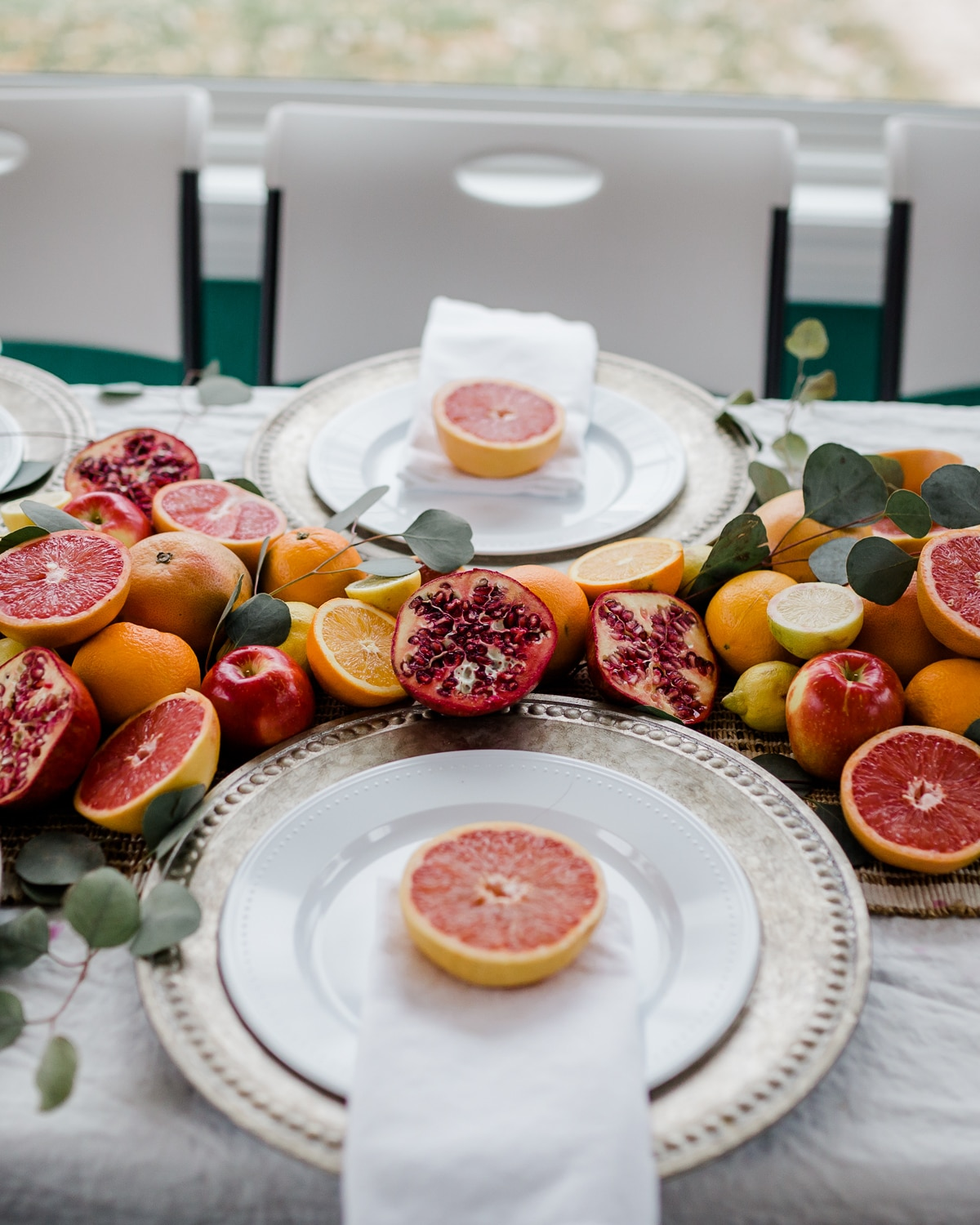 Colorful Citrus Themed Table Decor + 7 Tips For Hosting